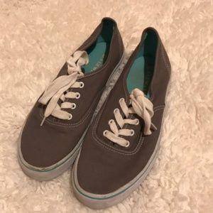 🌈Airwalk grey tennis shoes
